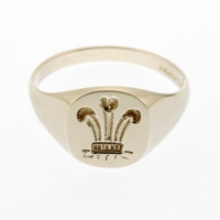 Medium Prince of Wales Signet Ring SAH7