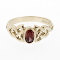 January Birthstone Ring - Garnet R4YG